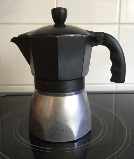 Coffee pot on strove