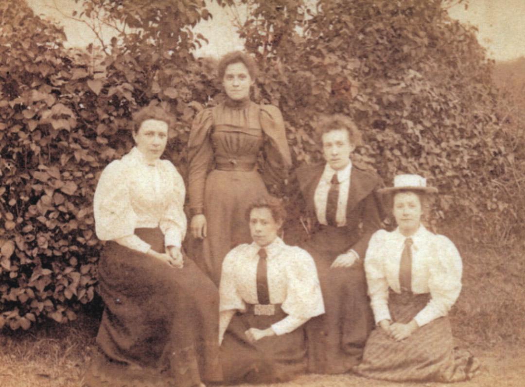 JD Moores granddaughters